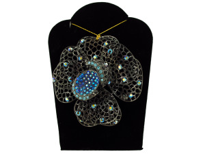 Wholesale: Jeweled Flower Necklace