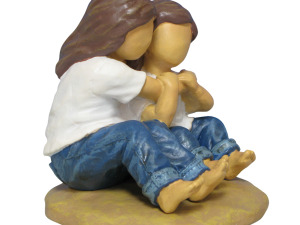 Wholesale: Forever in Blue Jeans Hugs Figurine